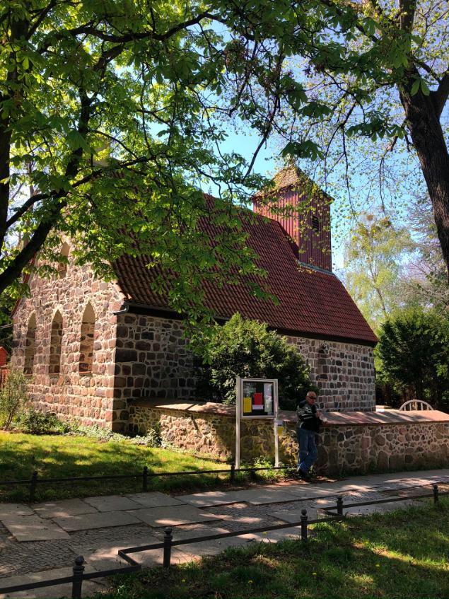 Dorfkirche aus dem 14. Jhd in Schmargendorf © Huber
